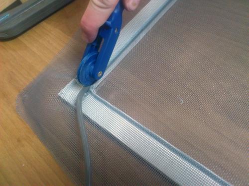 Ремонт пластиковых окон москитных сеток своими руками